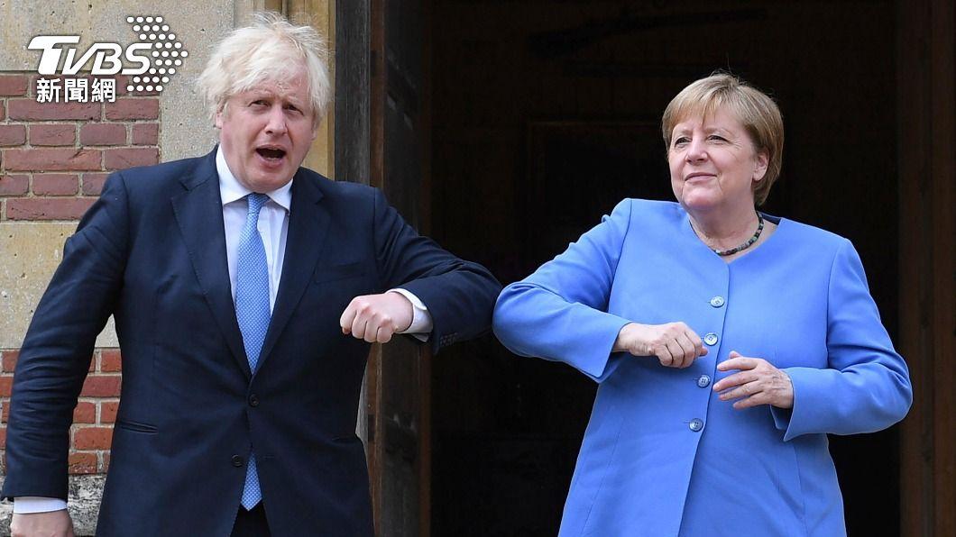 德國總理梅克爾訪問英國。(圖/達志影像美聯社) 德國總理梅克爾赴英「告別訪問」 擬放寬英人入境旅遊免隔離