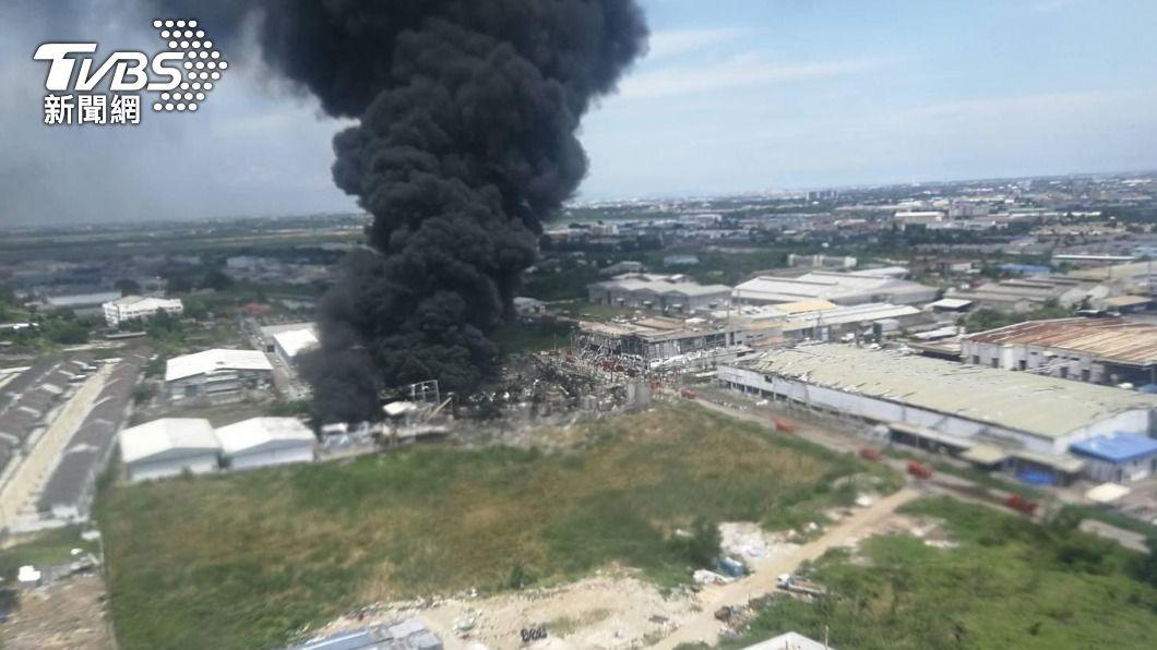 台資企業明諦化工泰國工廠爆炸。(圖/泰國陸軍提供) 台資企業泰國化工廠爆炸 明諦致歉承諾賠償