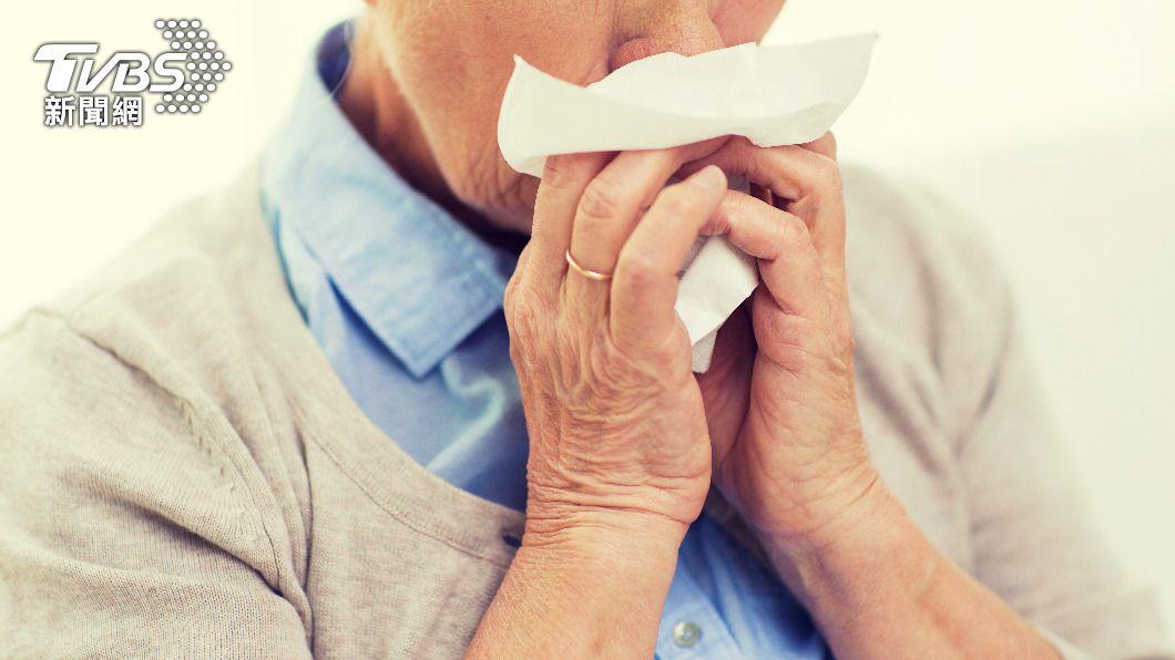 鼻塞伴隨5徵兆恐罹患鼻咽癌。(示意圖/shutterstock 達志影像) 鼻塞誤以為過敏「5大徵兆」恐罹癌 醫警告:勿吃3食物