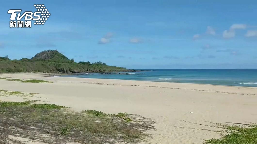 泰國有男子在海灘跑步竟撿到傳說中的「龍涎香」。(示意圖/TVBS資料畫面) 海邊跑步撿到「腥臭巨石」 竟是龍涎香爽賺2500萬