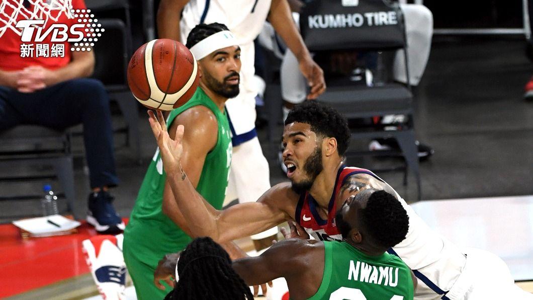 美國男籃與奈及利亞於拉斯維加斯進行首場熱身賽。(圖/達志影像美聯社) 爆冷門!美國奧運籃球熱身賽吃鱉 差3分輸給奈及利亞