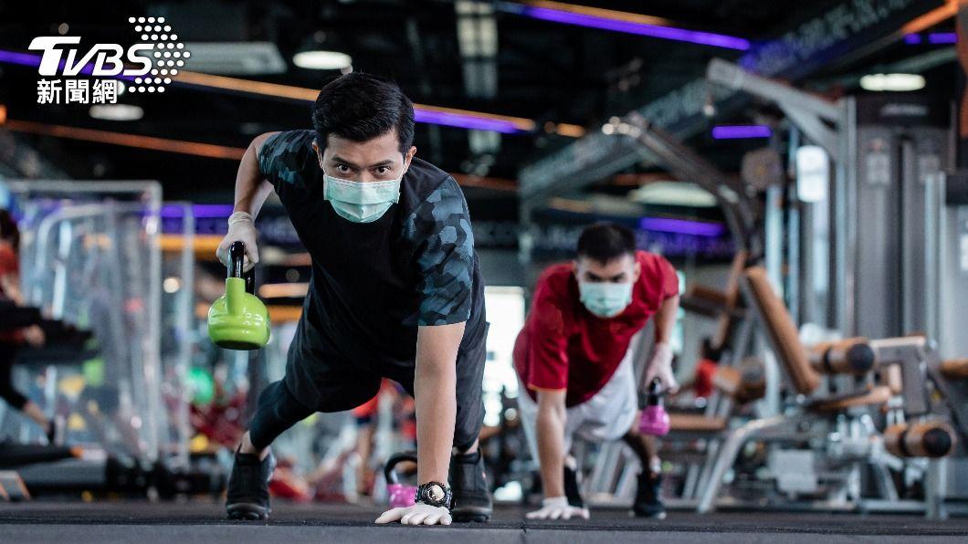 韓國對健身房祭出嚴格防疫規範。(示意圖/shutterstock 達志影像) 韓國健身房禁播高強度音樂、跑步機限速 避免出汗染疫