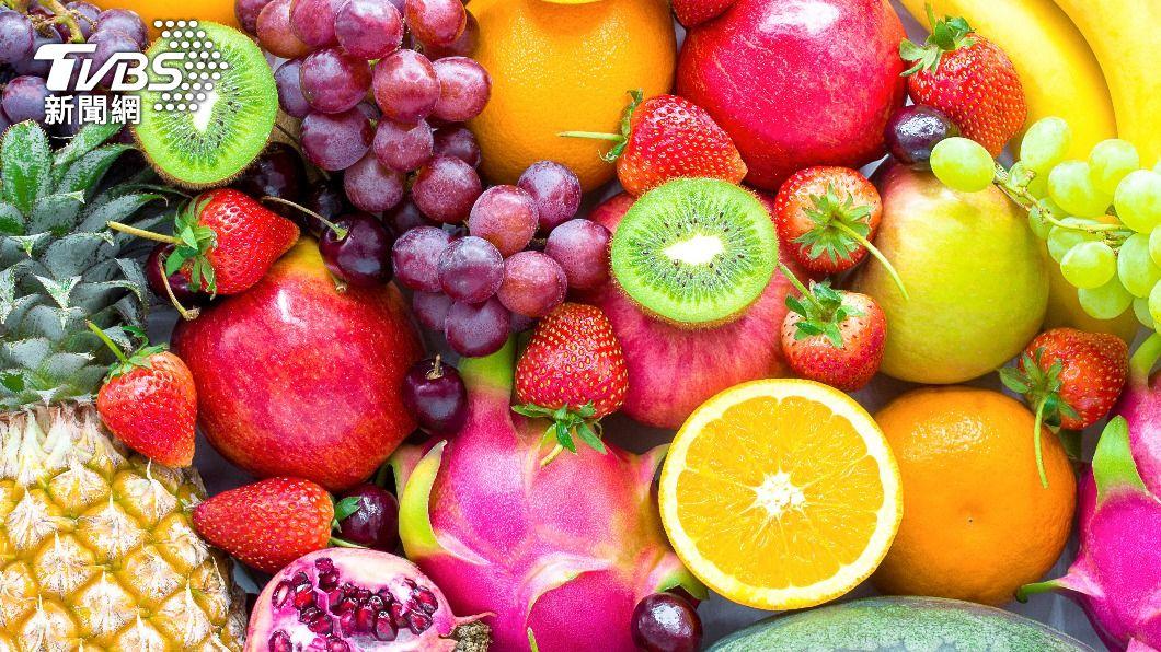 想減肥,只吃水果還不夠,錯誤吃法還容易變胖。(示意圖/shutterstock達志影像) 減肥只吃水果恐越吃越胖!4種錯誤吃法一次看