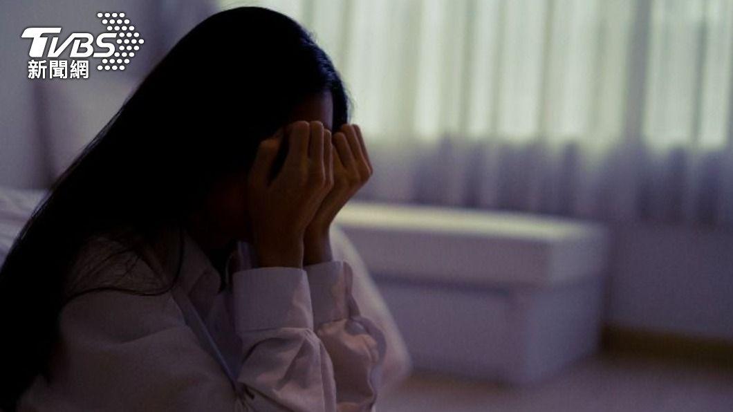 人妻慘遭公婆嫌棄亂花錢。(示意圖/shutterstock達志影像) 節儉公公喊不公平「逼交每月薪資表」 苦媳委屈哭