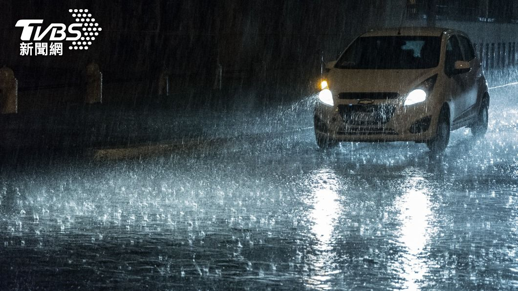 示意圖/shutterstock 達志影像 快訊/大雨夜襲 台南、高雄、嘉義縣大雨特報