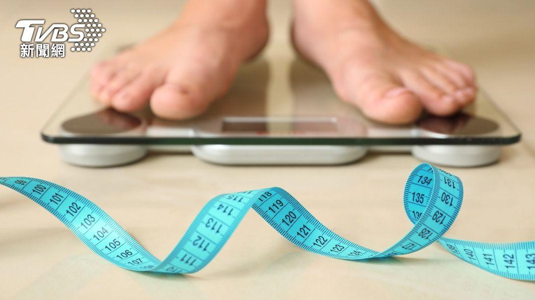 明明四肢纖細,可是有小腹,極大可能是「內臟脂肪」囤積。(示意圖/shutterstock達志影像) 四肢纖細、小腹卻有贅肉?「忍餓30分鐘」降內臟脂肪