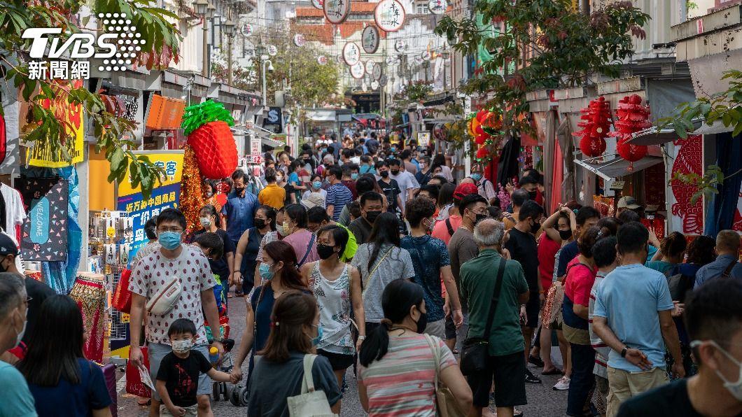 新加坡本土疫情升溫,今增179例確診。(示意圖/shutterstock達志影像) 新加坡漁港群聚逾4百人確診 馬國連9天單日染疫破萬