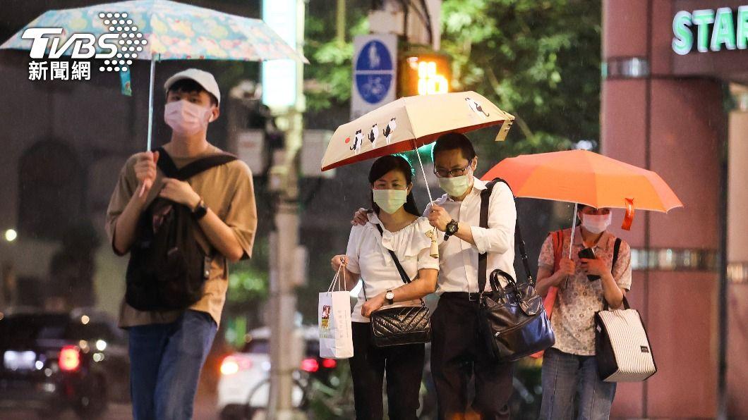 (圖/中央社) 颱風烟花逼近恐有強降雨 中央災變中心籲慎防