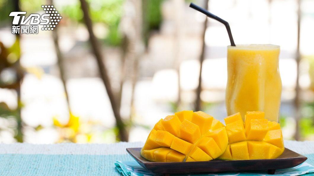 夏日盛產芒果。(示意圖/shutterstock達志影像) 芒果太甜、易發胖?營養師籲「這些人」攝取勿過量