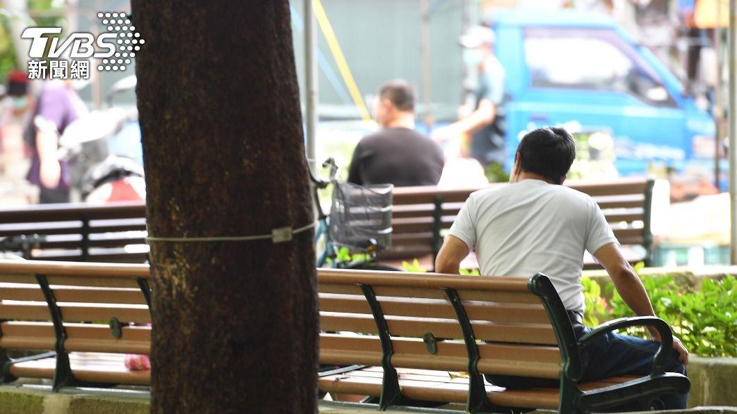 全時勞工生活補貼23日起開放申請。(圖/中央社) 全時勞工生活補貼 23日起6月薪少2成者可申請