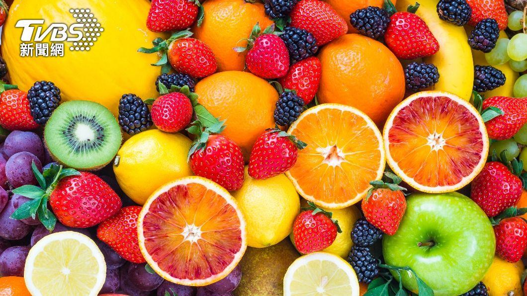 注意水果攝取份量,才能健康吃不發胖。(示意圖/shutterstock達志影像) 水果熱量怎計算?營養師教健康吃法 20款水果一次看