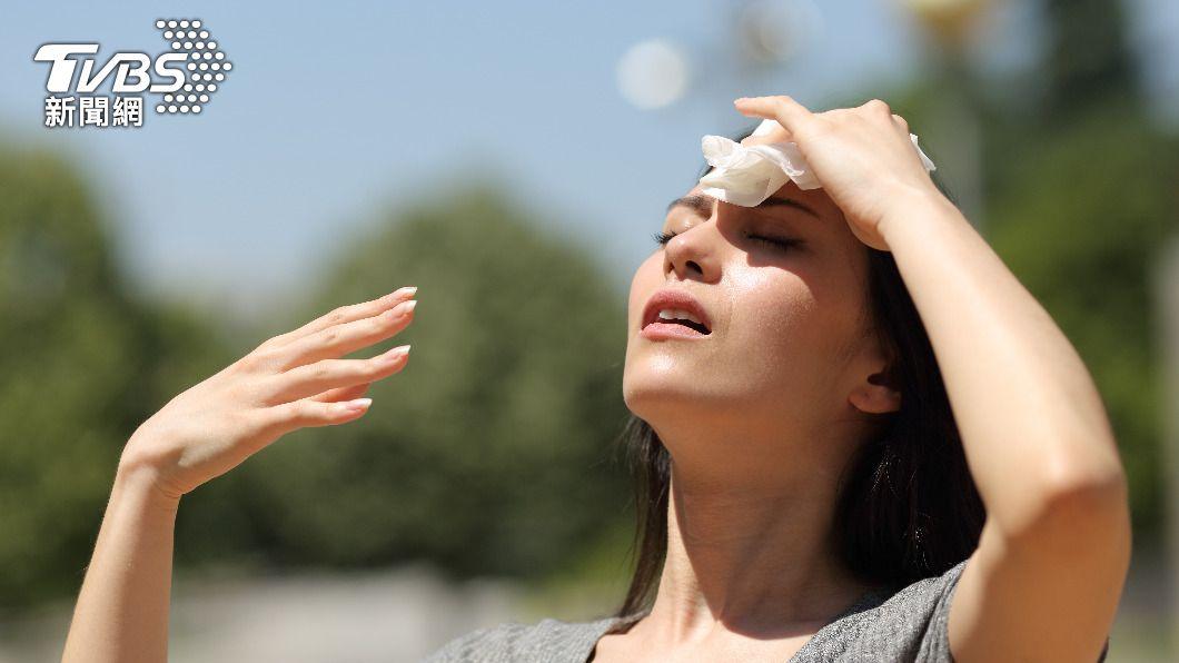 大暑來臨,身體容易睏倦乏力、食慾不振。(示意圖/shutterstock達志影像) 「大暑」習俗、禁忌報你知! 這時「吃薑」降火氣
