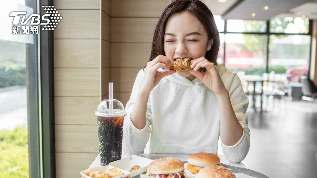 防疫在家,民眾教你如何自製「激似」麥當勞套餐。(示意圖/shutterstock達志影像) 好市多食材迸出「激似口味套餐」 網驚:不用去麥當勞了
