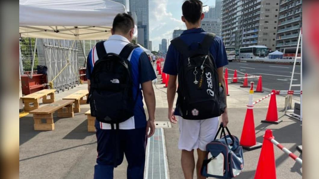 跆拳道好手劉威廷(右)東京奧運後宣布引退。(圖/翻攝自劉威廷臉書) 宣告退役!跆拳道劉威廷賽後自責:沒有個像樣成績