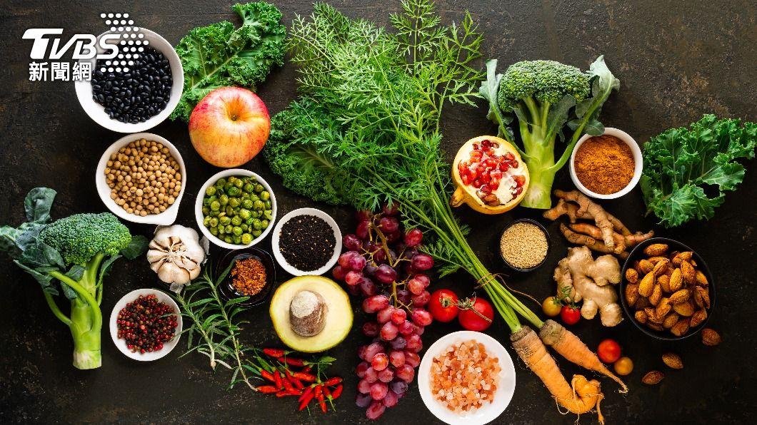減重搭配飲食控制,能達成更佳的效果。(示意圖/shutterstock達志影像) 疫起來減重!營養師推薦「9食物」加速減脂 一張圖秒懂