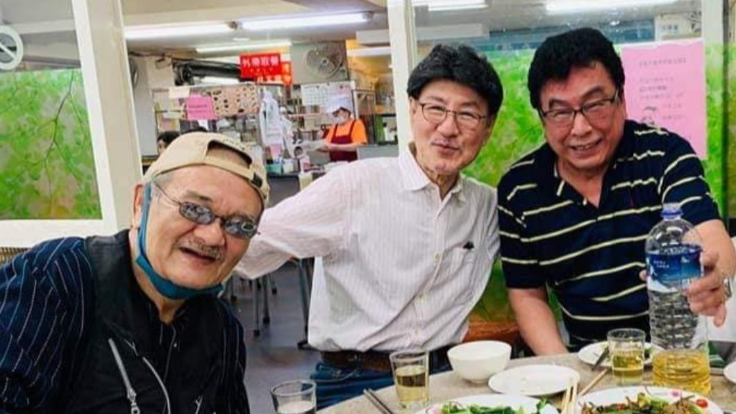 資深演員洪麟(左)逝世。(圖/翻攝自夏威臉書) 《戲說台灣》資深演員洪麟逝世 心肌梗塞享壽78歲