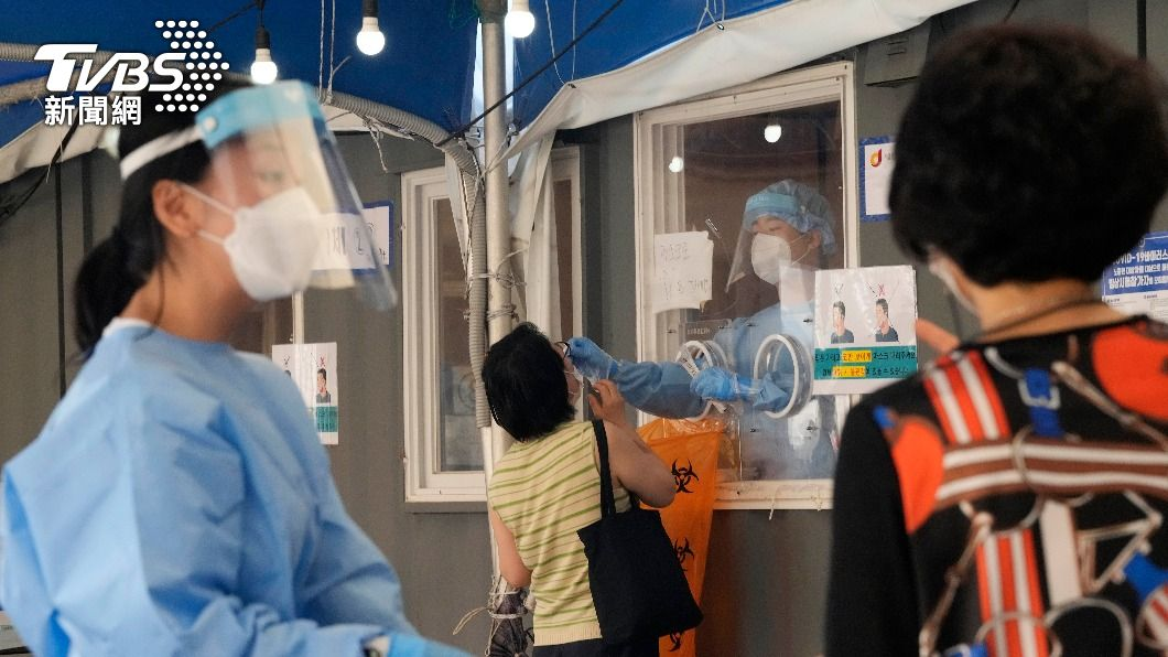 韓國疫情升溫。(圖/達志影像美聯社) 韓國單日新增逾1500例確診 重症患者數激增