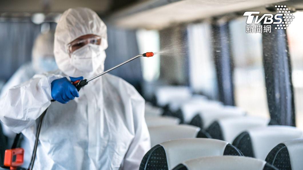 全球新冠肺炎疫情持續延燒。(示意圖/shutterstock達志影像) 全球近2億人染疫!東京連5日單日確診破千例