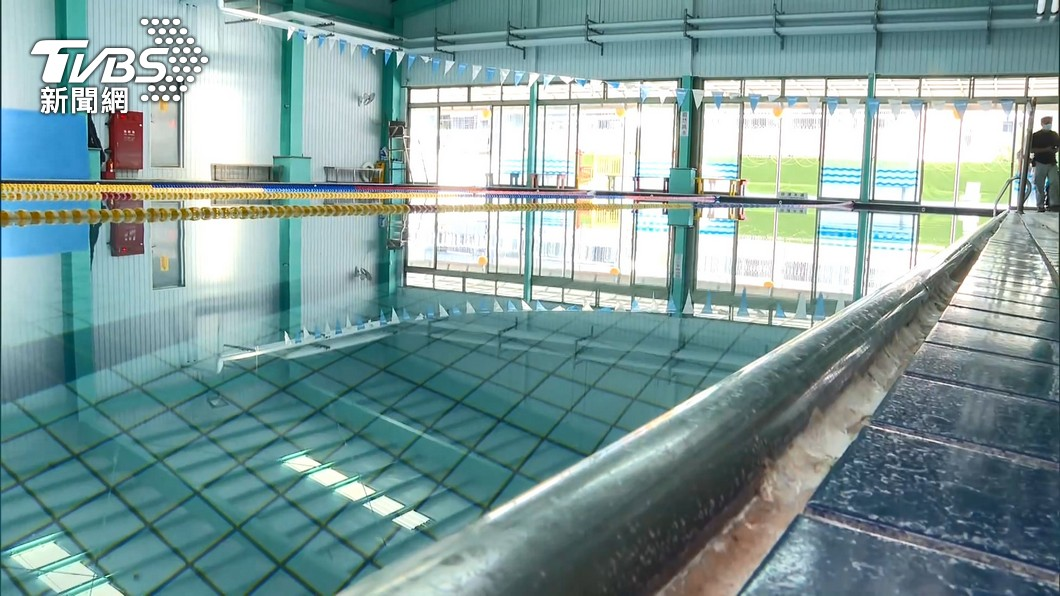指揮中心宣布泳池將重啟。(圖/TVBS資料畫面) 「水非新冠病毒傳播媒介!」 美專家揭游泳池開放2隱憂