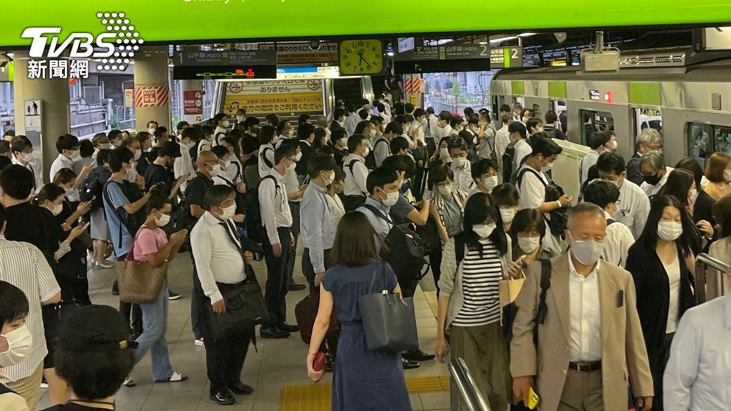 (圖/中央社) 東京增3709例創週二新高 沖繩增467例創歷史紀錄