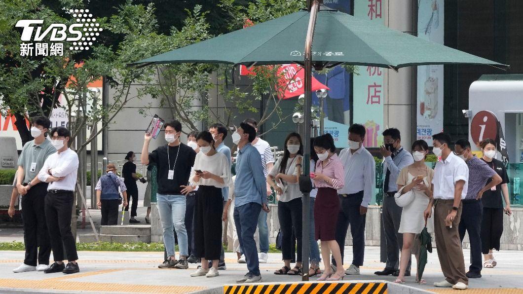 Delta變種病毒入侵南韓,造成確診數居高不下。(圖/達志影像美聯社) Delta入侵!第4波疫情未達高峰 南韓確診飆破1800例