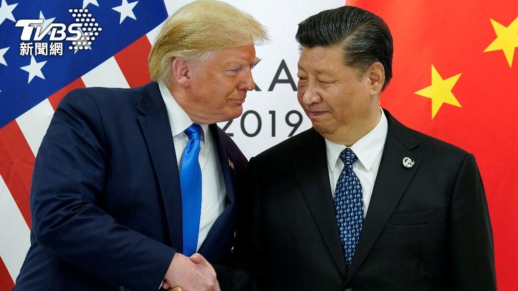 美國前總統川普(左)曾向中國國家主席習近平(右)指出台灣有「嚴重的問題」。(圖/達志影像路透社資料照片) T選讀/大陸經濟實力增強 下一步掌握話語權形塑國際秩序