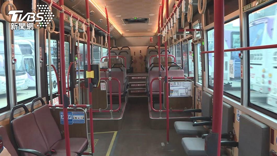 確診婦人曾搭過多班公車。(示意圖/TVBS資料畫面) 七旬確診婦搭過多班公車、捷運 台北市足跡曝