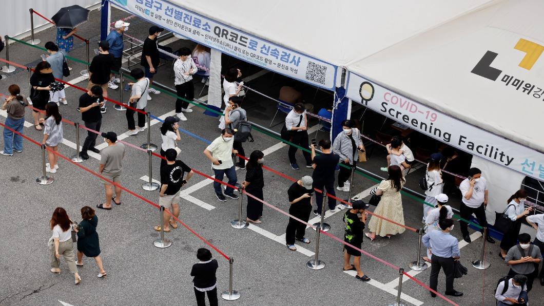 圖/達志影像路透 防疫管制再延一個月!南韓中秋開放8人家聚