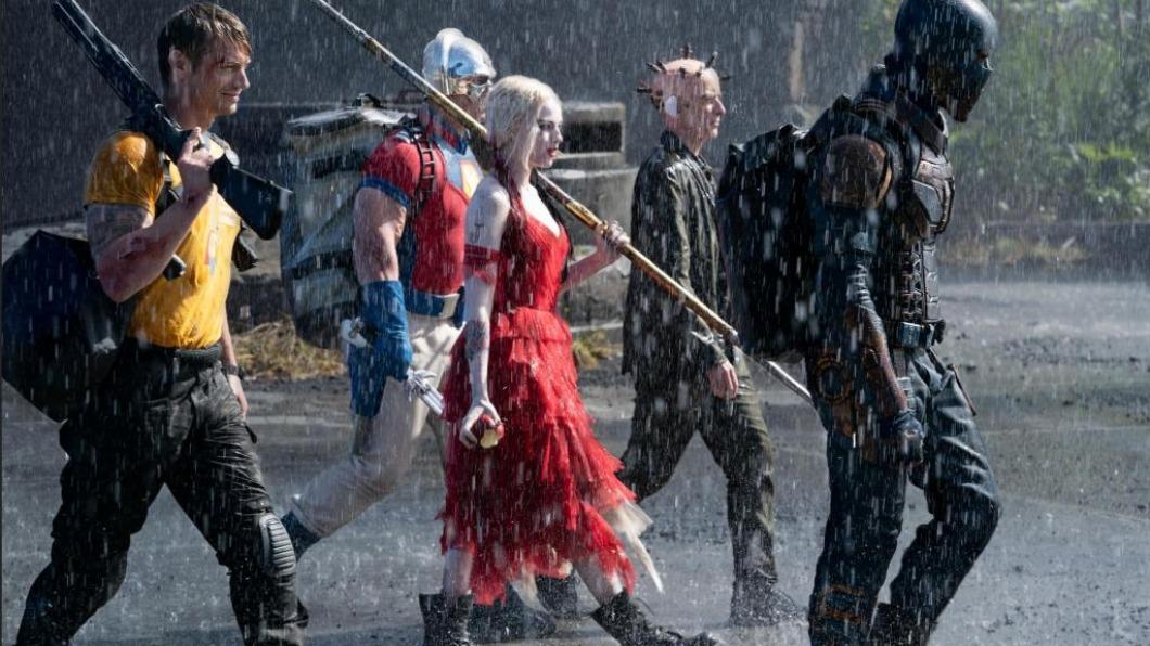 《自殺突擊隊:集結》是由各路反派組成的超級英雄電影。(圖/myVideo提供) 小丑女《自殺突擊隊:集結》遭手銬掛天花板 秀空中脫逃