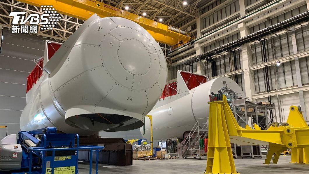 圖為西門子歌美颯台中機艙組裝廠內部。(圖/中央社) 供應沃旭111座風機 西門子歌美颯台中組裝廠落成