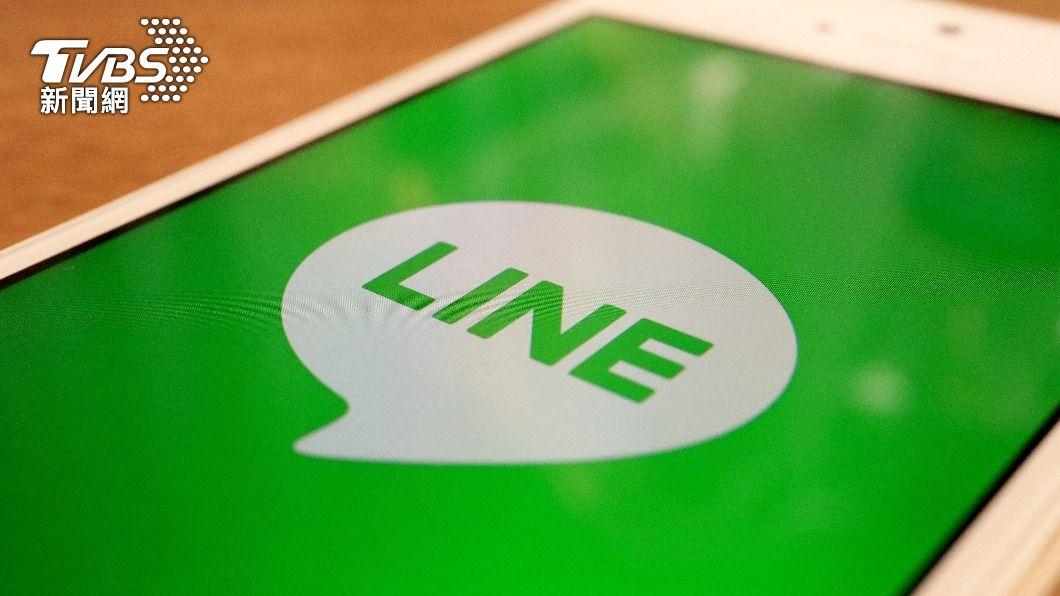 許多人經常使用通訊軟體LINE來相互聯絡。(示意圖/shutterstock達志影像) 為何LINE在台灣無法被取代?網揭2因素:蠻難的