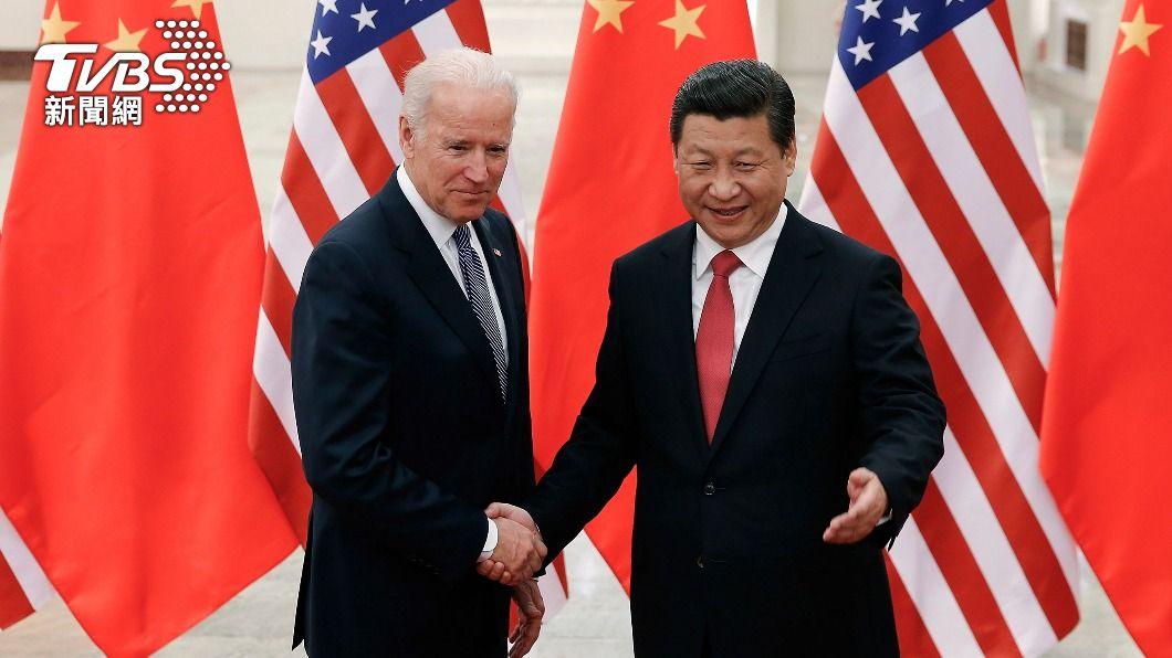 拜登於2013年擔任副總統時,曾訪中與習近平會面。(圖/達志影像美聯社) 《金融時報》稱邀習近平會面被無視 拜登出面否認