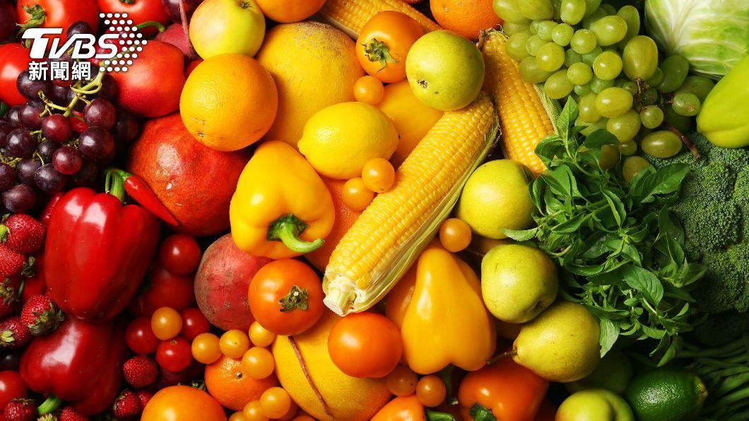 營養師建議每餐至少吃到3~5種食物,增強免疫力。(圖/shutterstock 達志影像) 對抗新冠肺炎這樣吃 營養師:用「食力」增強防疫力!
