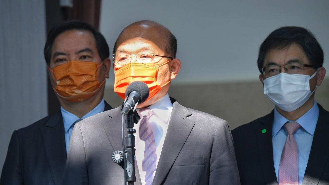 蘇貞昌(中)。圖/行政院提供 在野黨抨擊昨沒拿到3+11報告 蘇貞昌這樣解釋