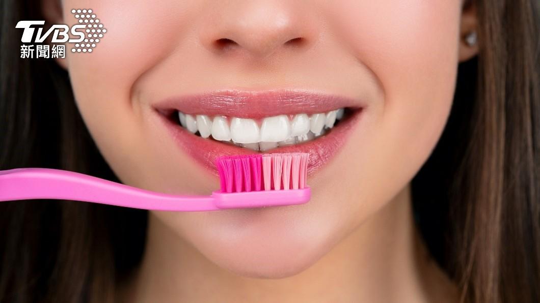 印度一名少女日前起床刷牙後突然感到頭暈目眩。(示意圖/shutterstock達志影像) 味道怪怪的!誤把老鼠藥當牙膏 印少女9天毒發亡