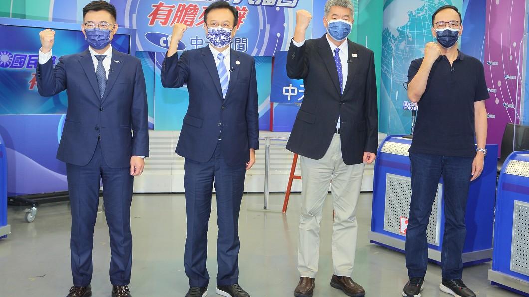 國民黨主席候選人網路直播辯論會。(圖/中天電視提供) 國民黨改名去「中國」2字?朱立倫、張亞中這樣說