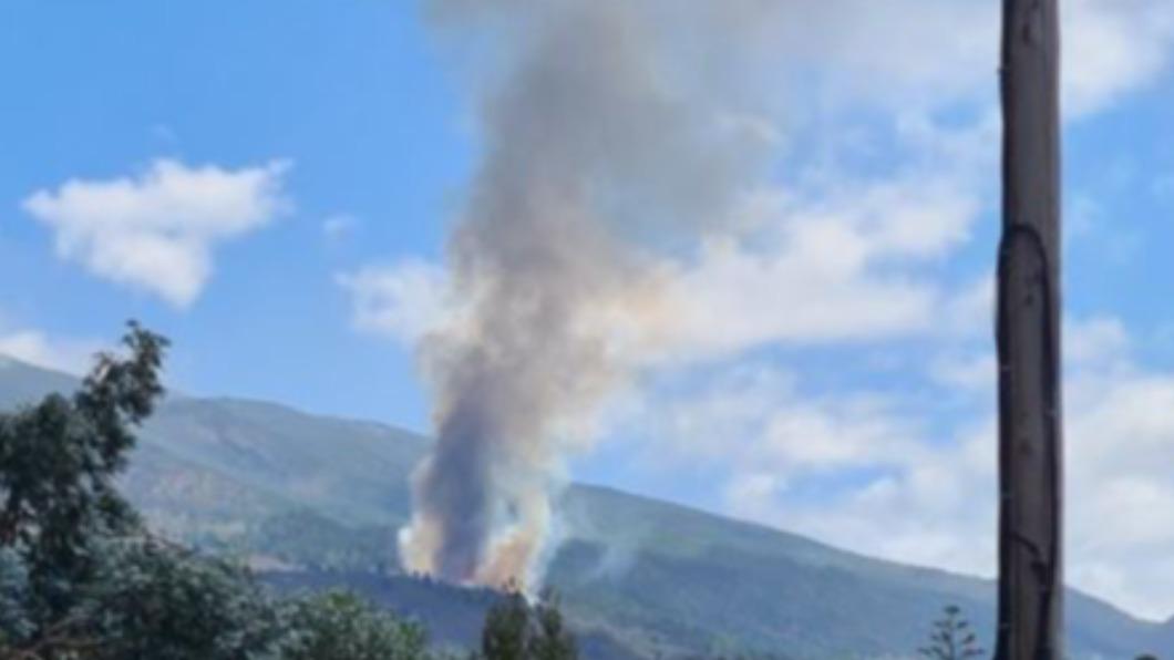 圖/翻攝自@efadi_LP推特 快訊/西班牙加那利群島 火山噴發50年來首見