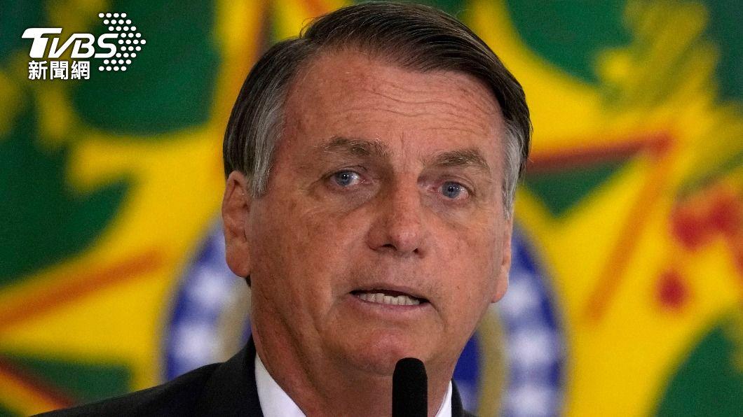 巴西總統波索納洛至今仍無意接種新冠疫苗。(圖/達志影像美聯社) 巴西總統無意接種疫苗 紐約市長怒嗆:不打別來