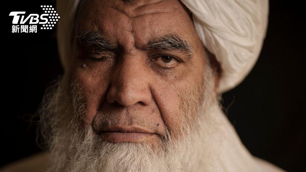 塔利班創始人之一圖拉比(Mullah Nooruddin Turabi)。(圖/達志影像美聯社) 嚴刑峻法!塔利班恢復「斬手」刑罰 民眾竟可拍照打卡