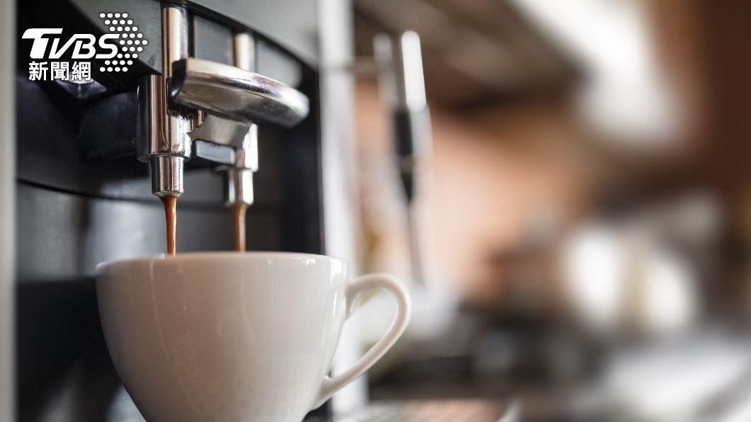 網友到超商買咖啡發現「喊暗號升級」要走入歷史了。(示意圖/shutterstock達志影像) 超商買咖啡「喊暗號升級」走入歷史 內行真相曝光