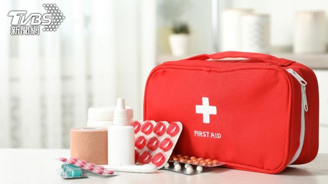 家中醫藥箱能夠應付日常簡單的傷口處理。(圖/shutterstock 達志影像) 居家醫療箱怎準備?專家曝黃金組合:必備6樣割燙傷免怕
