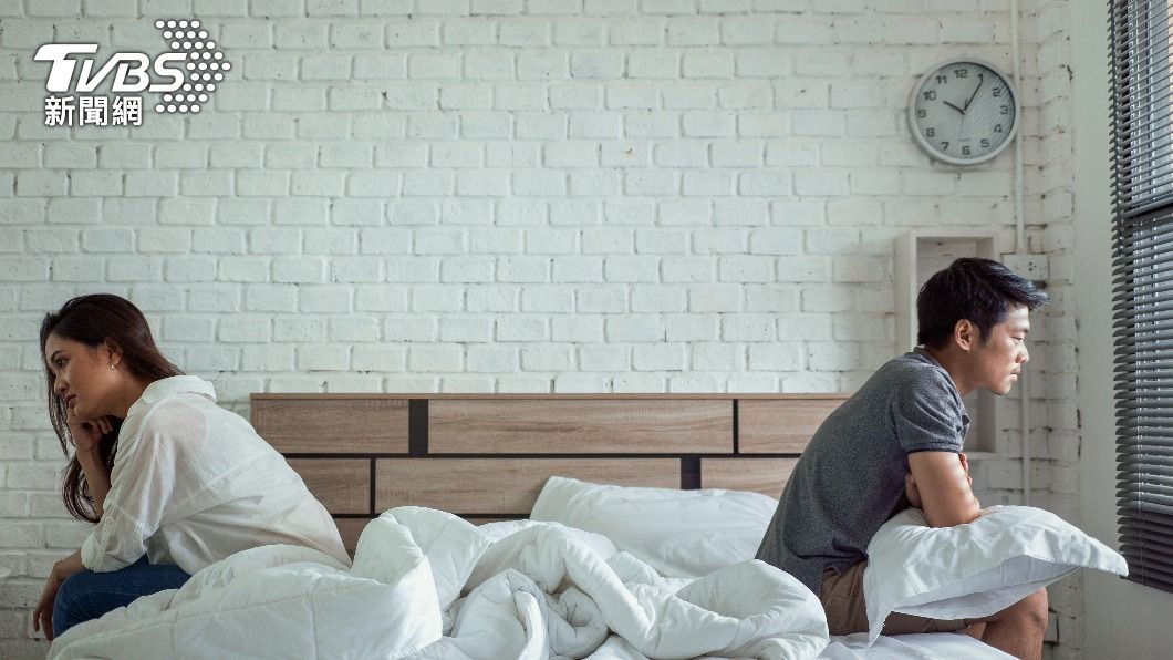 高雄一名男子控訴越籍妻子結婚3年從未行房進夫妻義務訴請離婚。(示意圖/shutterstock達志影像) 結婚3年妻拒行房夫心死訴離 對話見「激流鎮」法官判准