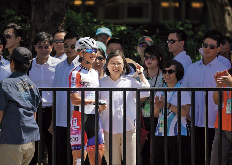 小英主導英雄遊行    拍板Team  TAIWAN