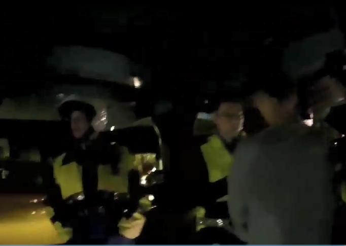 陳喬恩酒駕影片曝光 闖紅燈差點撞到人