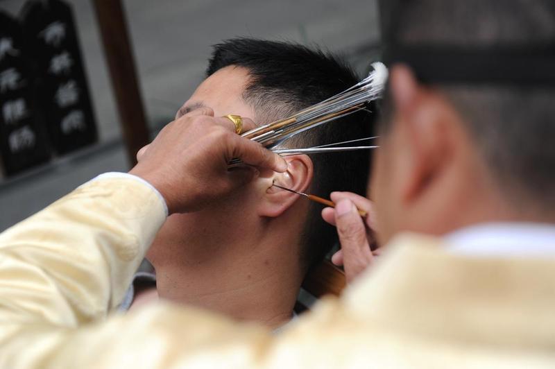 耳膜穿刺頻傳 醫師警告:別再用「這」掏耳