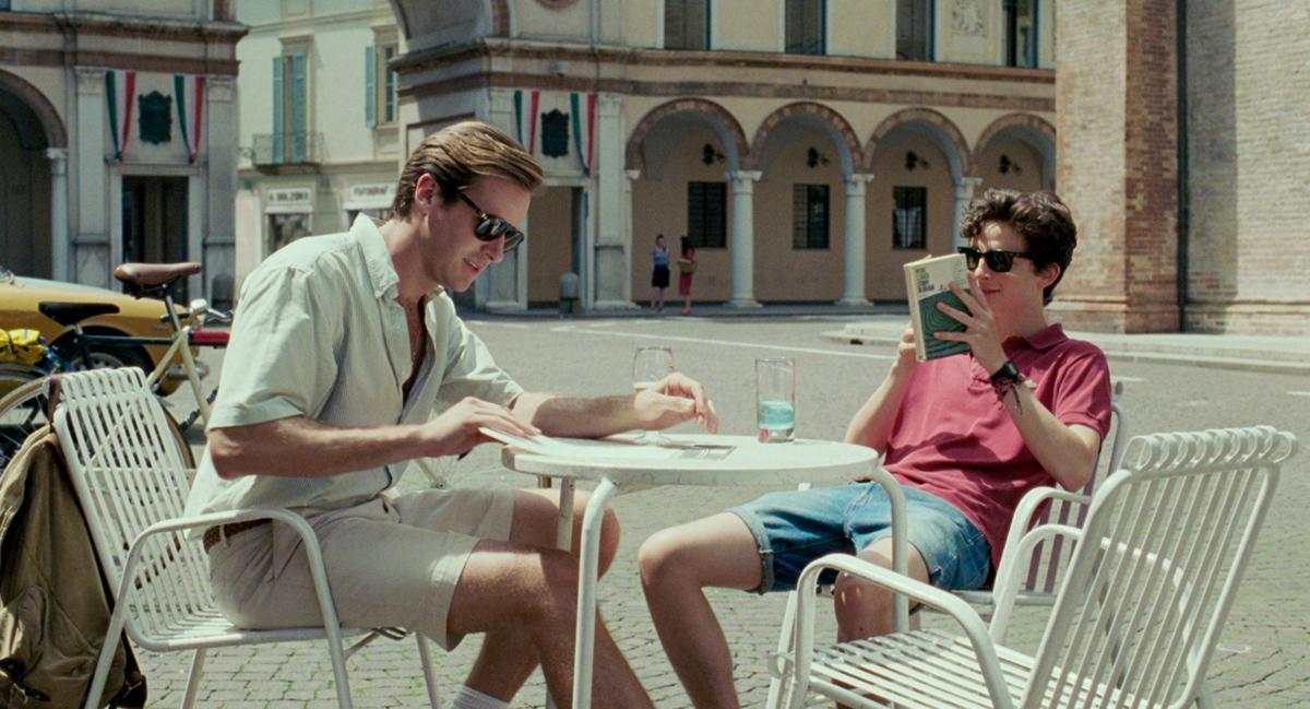 新生代男星堤摩西柴勒梅德(右)因《以你的名字呼喚我》入圍奧斯卡最佳男主角,該片也入圍最佳影片。(索尼影業)