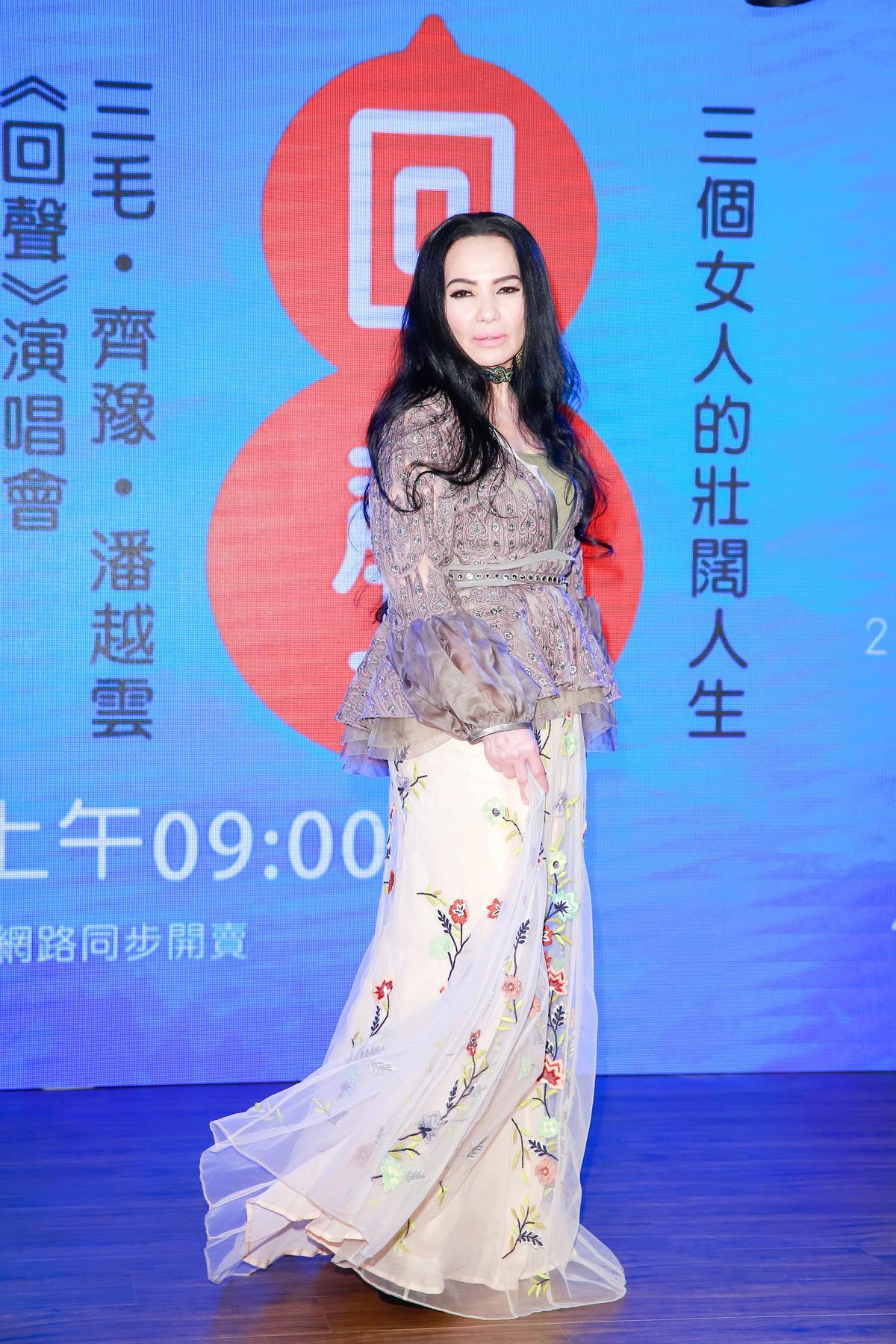 潘越雲去年考上文化大學音樂系碩士班。