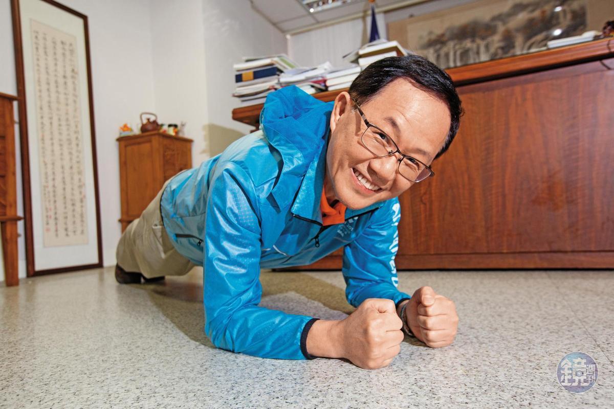 國民黨新竹市提名許明財、嘉義市則由前市長黃敏惠回鍋參選,前立委丁守中(如圖)五度參選台北市長,被外界認為無新意。