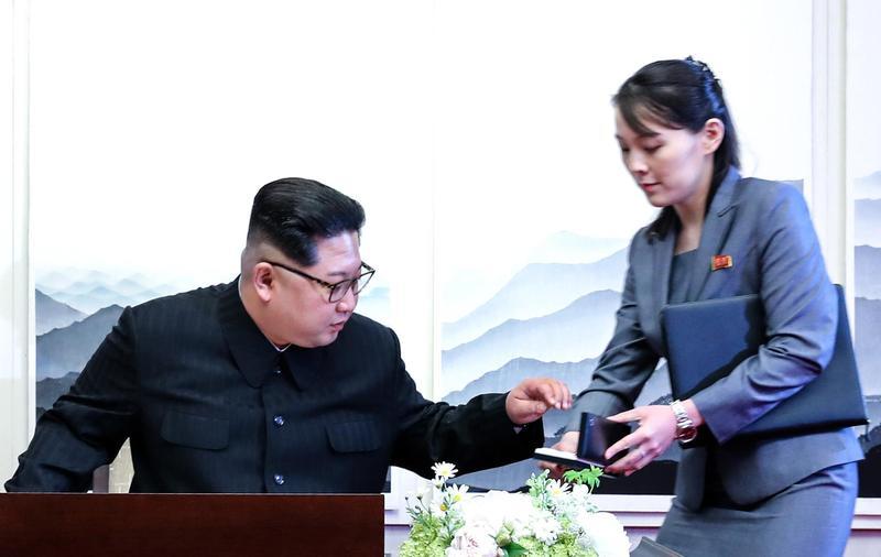 不用南韓的 金正恩簽名「自備筆」還先消毒