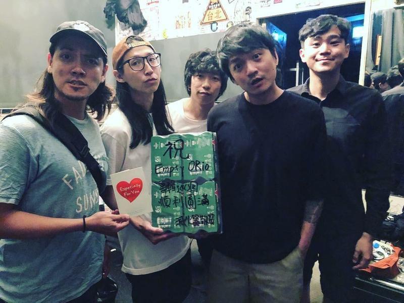 滅火器所寫的〈長途夜車〉,點名給在世界各地為夢想奮戰不懈的台灣人。(翻攝自滅火器臉書) 2018年度歌曲 是主流或獨立?